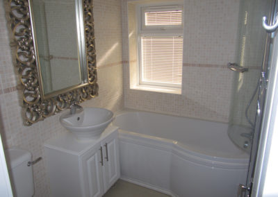 stately-pembroke-bathroom